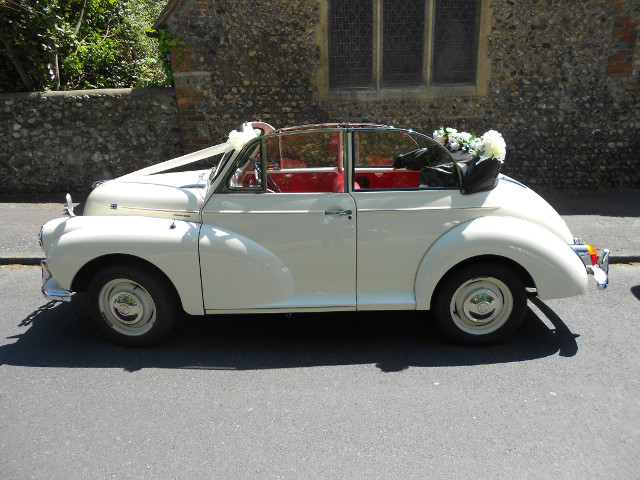 Molly the Morris Minor wedding car