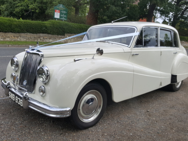 Armstrong Siddeley Sapphire Saloon Wedding Car Hire